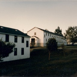 Base-Barracks1985-JeanDubois