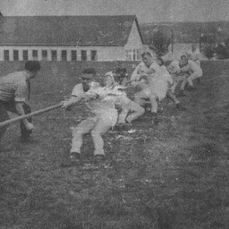 Tug-of-war12PL-C-Coy1975-JohnLeforte